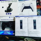 Un po' di accessori rientrati questa mattina 😉  -Charging Station PS5 -DualSense PS5 -DualShock 4 PS4 (finalmente 😅)
