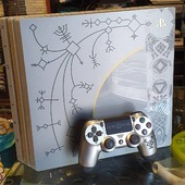 PS4 Pro, edizione di God of War, senza scatola.  Perfettamente funzionante, con 220€ ve la portate a casa 🙂